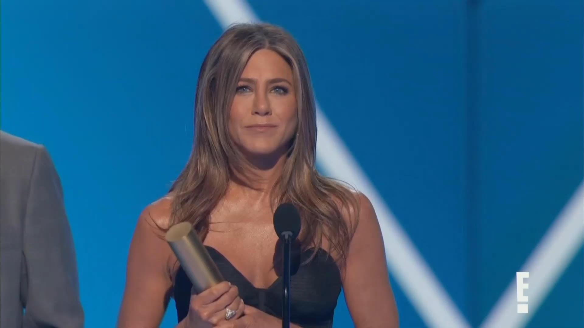 Jennifer Aniston's People's Choice Awards speech brings fans to tears