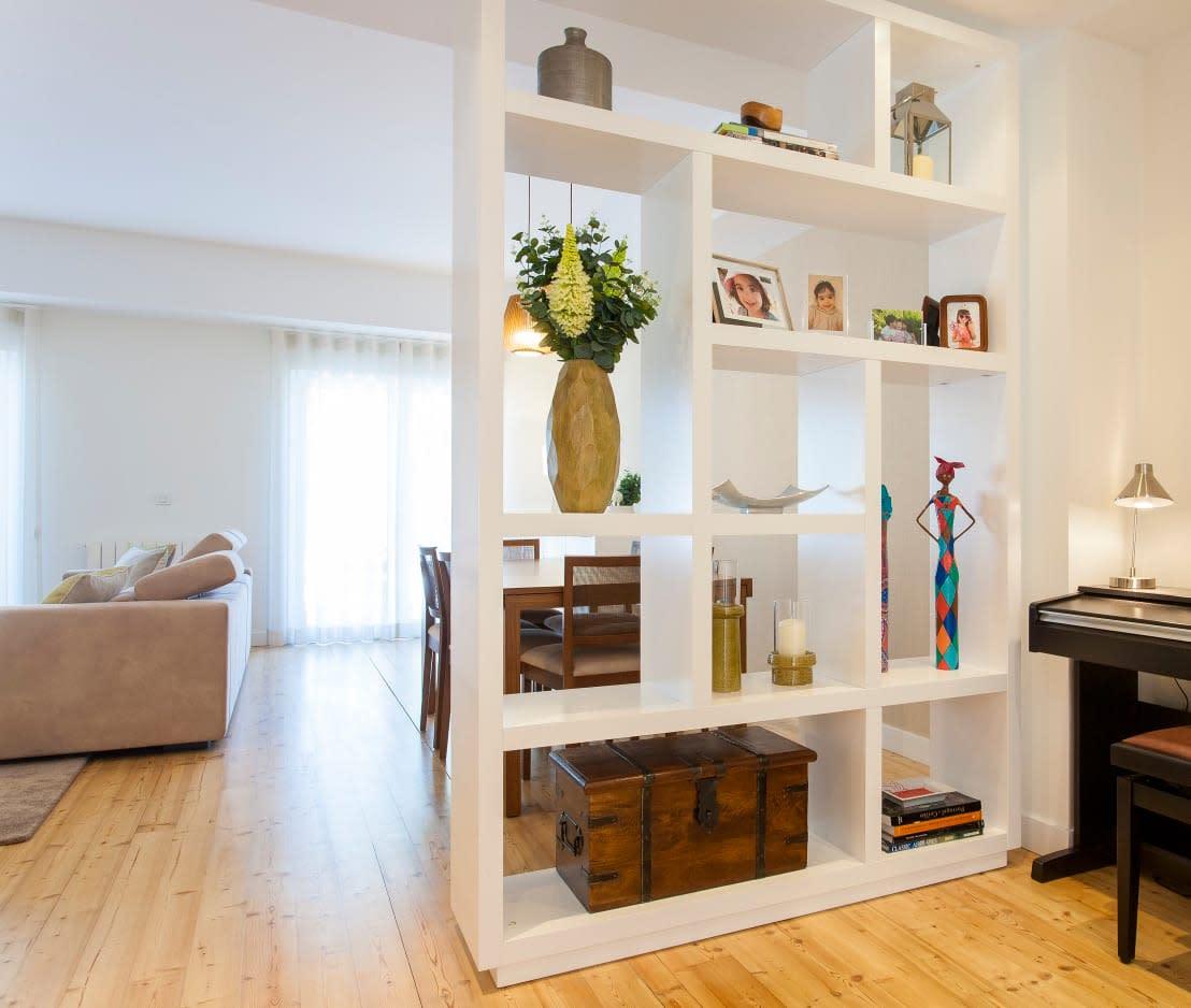 8 ideias muito criativas para separar a entrada da sala for Como desmanchar el marmol blanco