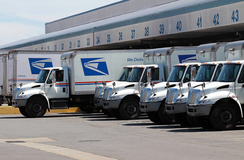 Enraged naked postal worker goes on killing spree, police
