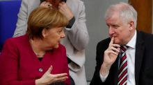In coalition showdown, Merkel allies to decide on migrant plan
