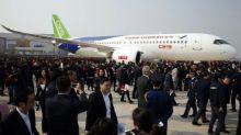 El primer rival chino de Airbus y Boeing está listo para despegar