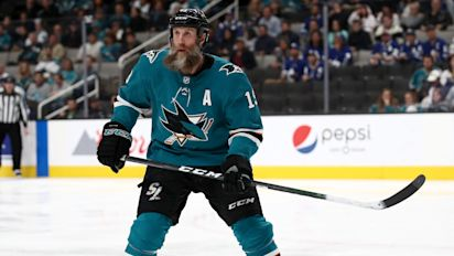Joe Thornton signs minimum deal with Leafs