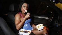 """8 mil ovos? Gracyanne nunca foge da dieta: """"Transformo tudo que é fat em fit"""""""