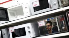 Todos los microondas de la UE contaminan como 6,8 millones de coches según un estudio