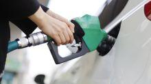 Preço da gasolina recua pela 7ª semana, mas fecha semestre em alta
