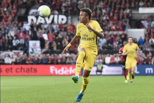 Chegou o dia! Neymar estreia em Paris cercado de expectativa