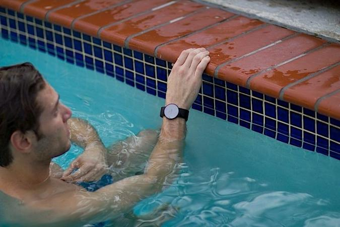 Moov's fitness tracker works as a personal trainer to improve your workouts
