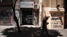 El alto costo de las medicinas en Chile desata la ira contra la industria farmacéutica