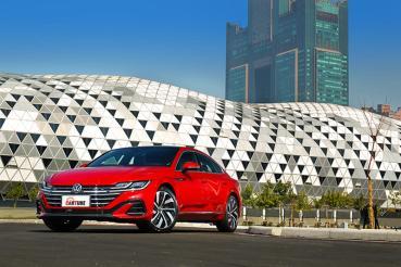 【試駕】比天竺鼠車車還吸睛,Volkswagen Arteon Fastback 330 TSI R-Line美到讓人想抱緊擁有