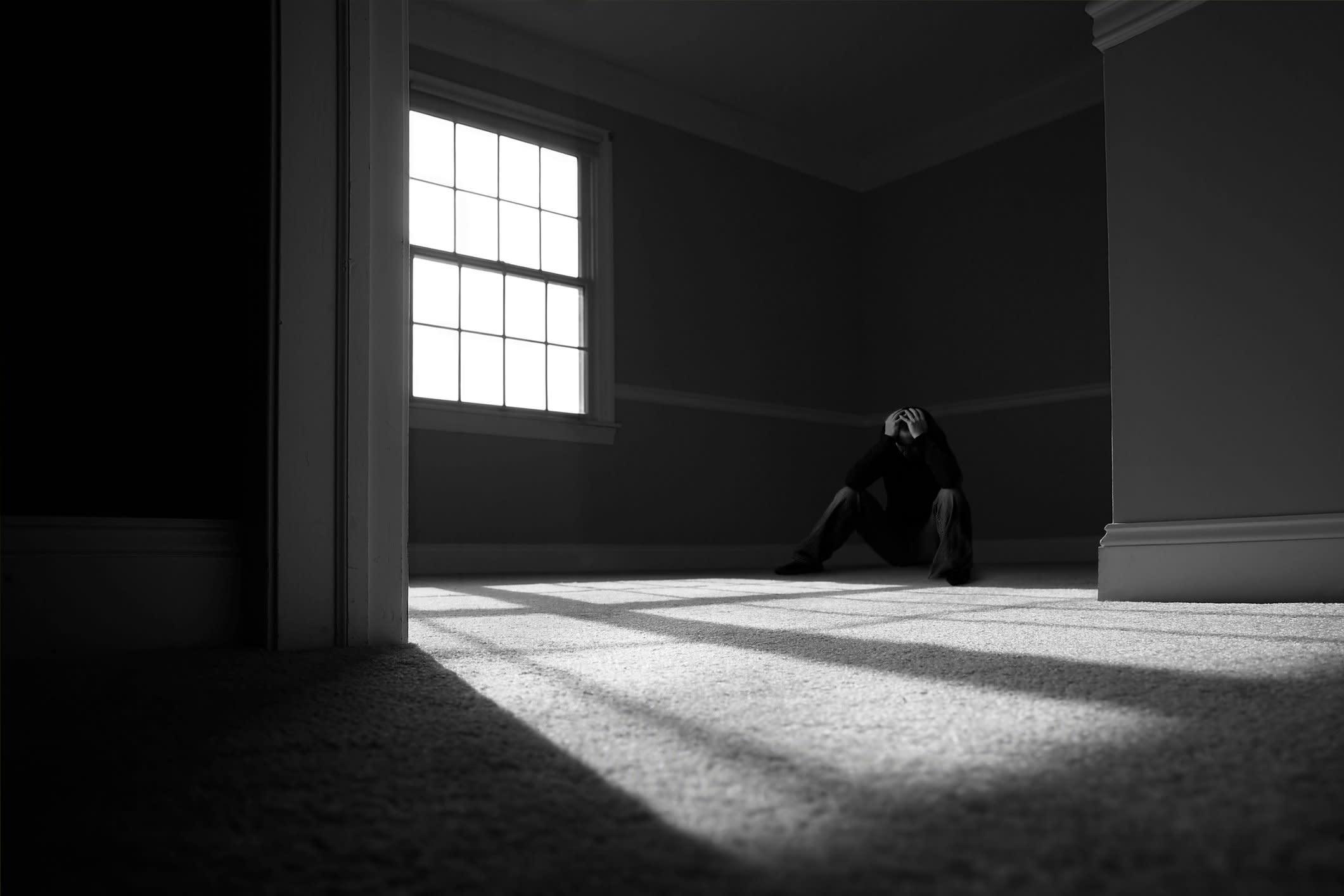 В пустой квартире картинки