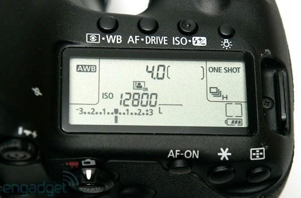Canon 'examining countermeasures' for 5D Mark IIIs experiencing top LCD light leak problem