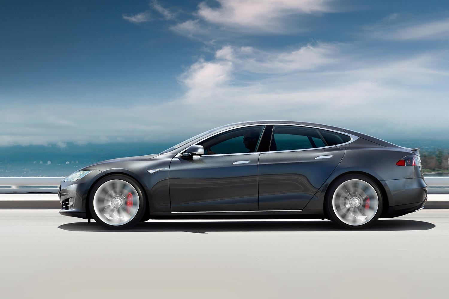 Tesla Model S P90D rips through quarter mile in 10.8 seconds in Ludicrous mode