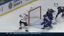 Pietrangelo denies Iginla the wide open-net