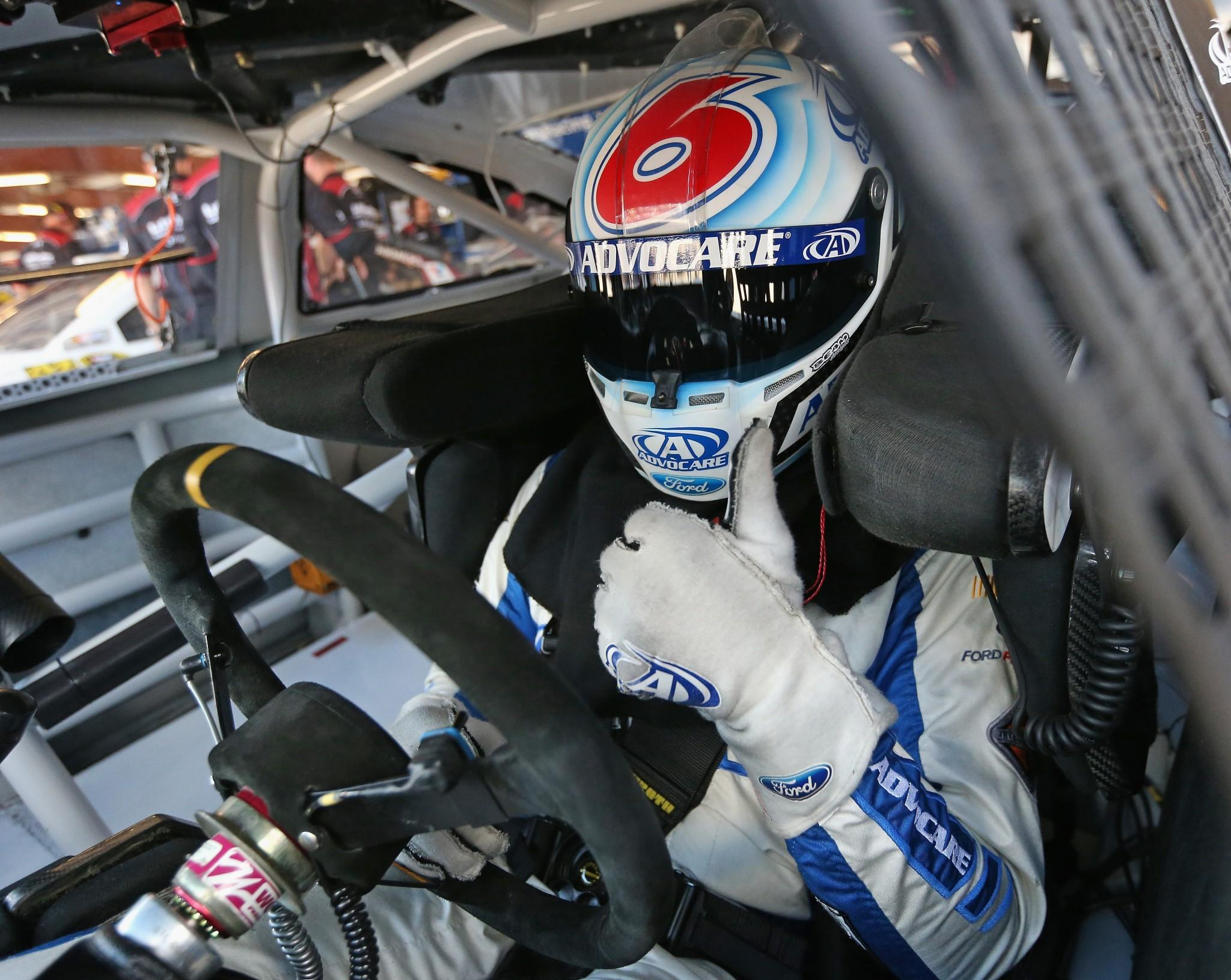 Trevor Bayne signs 3 year contract extension with Roush Fenway Racing