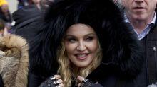 """Skurriles Kostüm: Madonna verkleidet sich als """"Die Schöne UND das Biest"""""""