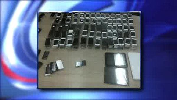 3 students accused of selling counterfeit Apple products