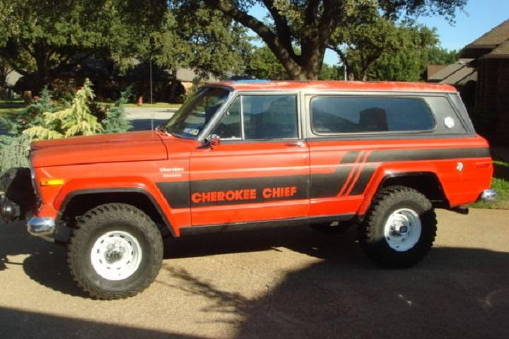 this handsome 1976 jeep cherokee chief went from barn find to ebay gem. Black Bedroom Furniture Sets. Home Design Ideas