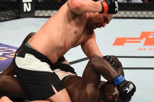 Glover critica Manuwa: 'Não está qualificado para lutar pelo título'