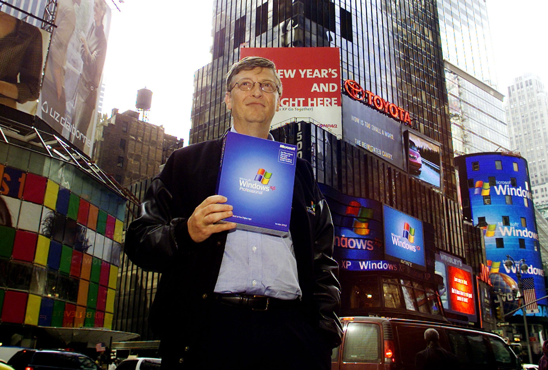 Microsoft's Bill Gates Launches Windows XP