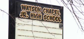 Teen dies following shooting at Ark. middle school
