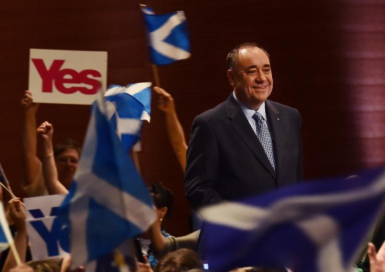 Evoking Obama, Scottish 'Yes' camp full of hope at last rally