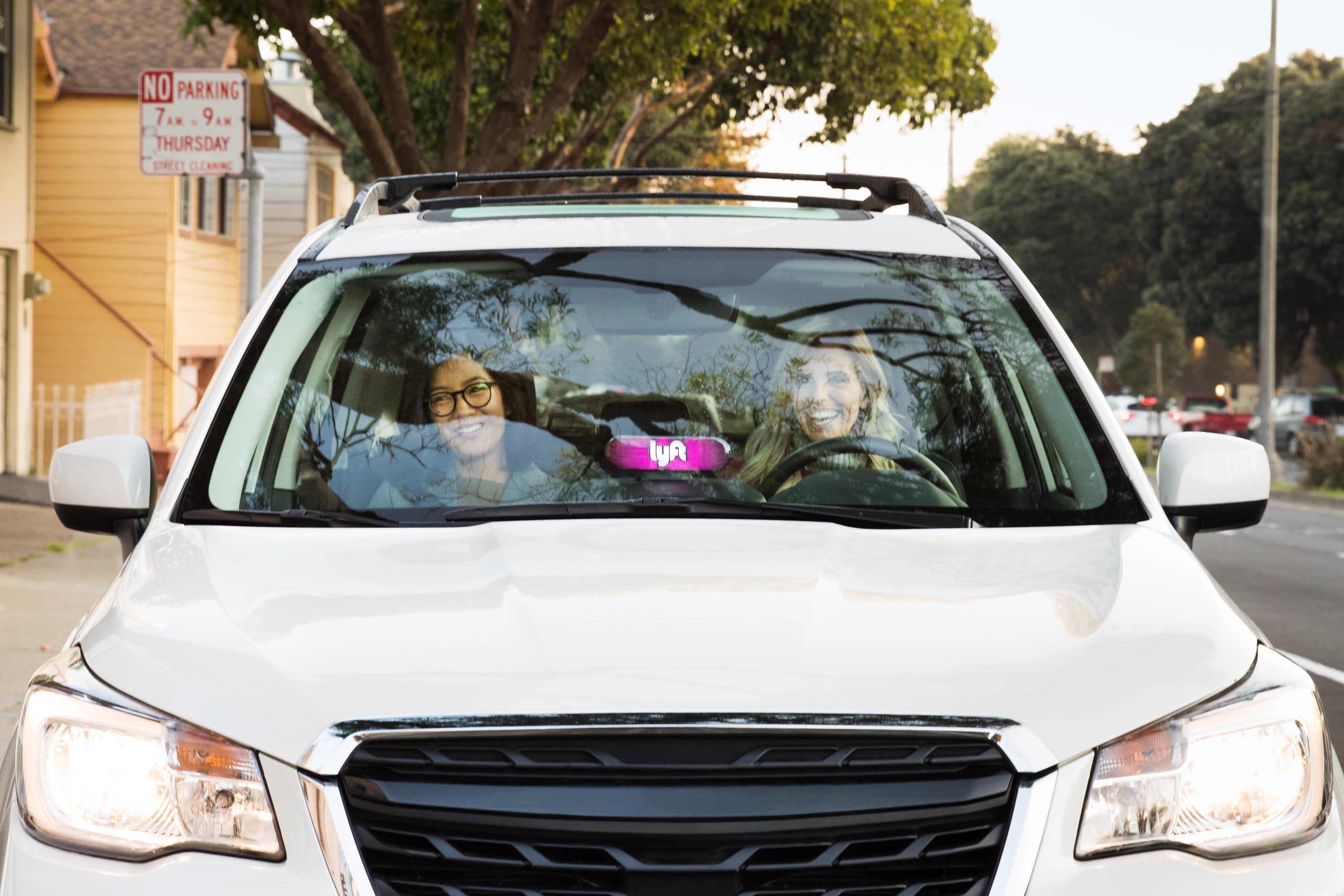Lyft Car Rental >> Lyft Deploys 200 Long Range Evs For Its Rideshare Rental