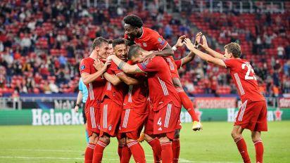 El Bayern de Múnich, campeón de la Supercopa de Europa tras vencer 2-1 al Sevilla en la prórroga