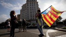Trabajadores del Clínic, Bellvitge y Sant Pau se concentran frente hospitales