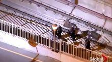 Pour échapper à la police, il fonce en voiture dans le tunnel du métro (Vidéo)