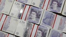 Pound Plunges as Traders Confront Possibility of No-Deal Brexit