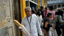 """""""¿Ya salió el pan?"""" Falta de harina complica abastecimiento en Cuba"""