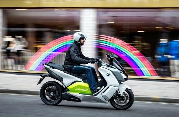 BMW's C Evolution electric scooter does 62 miles on a charge, maxes out at 75 mph