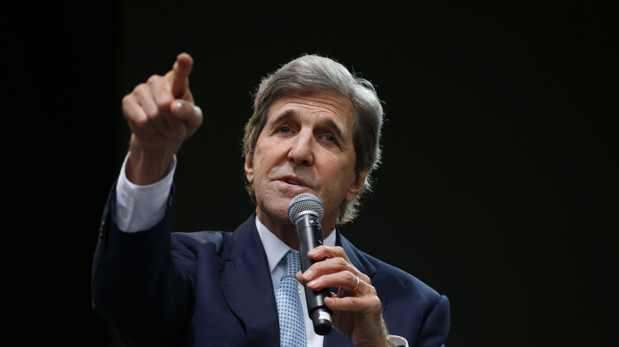 Kerry's message to Trump from Davos: Resign