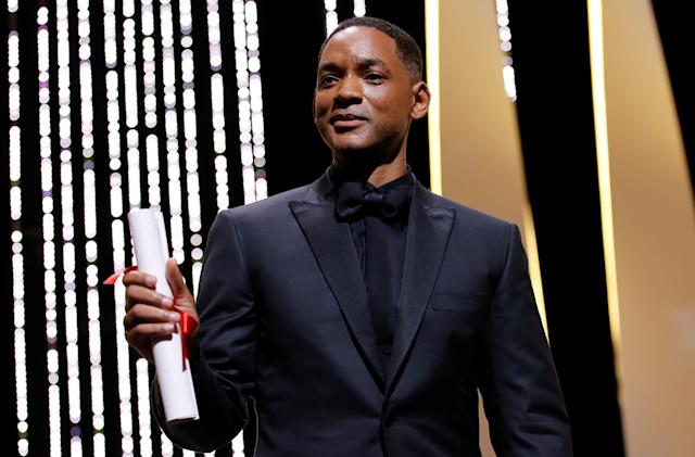 Watch Will Smith's Grand Canyon helicopter bungee jump at 6 PM ET