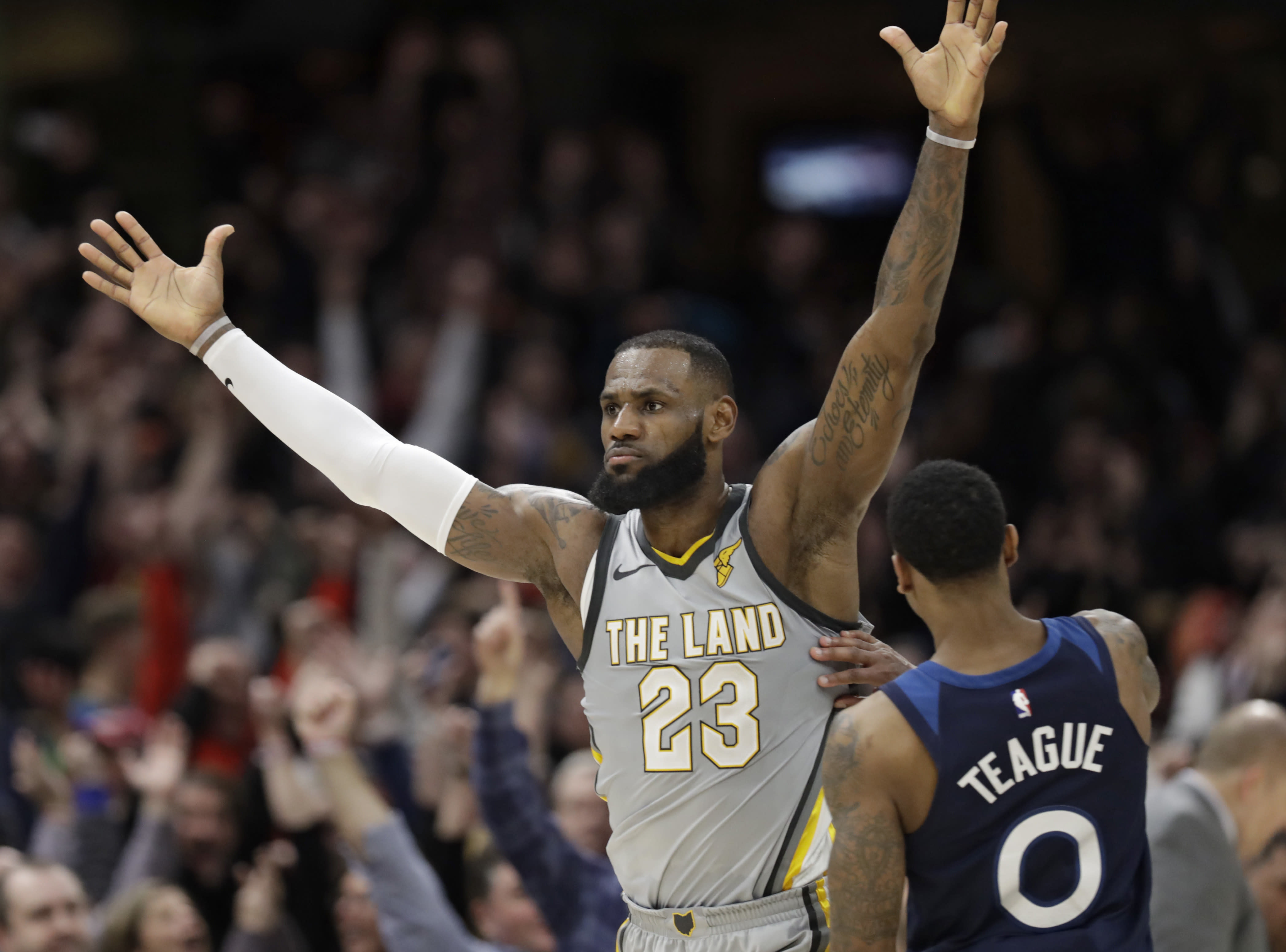 d3991339cfdd Cavaliers go all-in for LeBron James