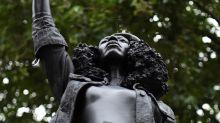 Retiran la estatua de manifestante negra en Bristol por no tener autorización