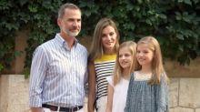 6 minutos de posado con Letizia, Felipe y sus hijas