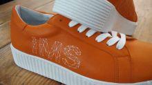 Las zapatillas que te hacen sentir la esclerosis, ¿y si te pasa a ti?