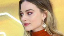 Margot Robbie turns heads in Oscar de la Renta at London Premiere