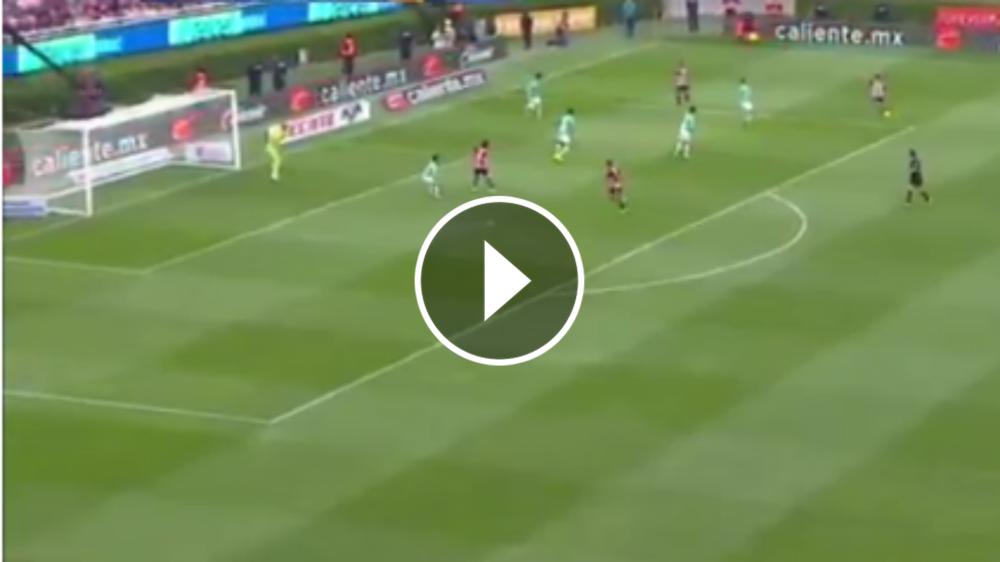 VIDEO: El casi golazo de La Chofis vs. León