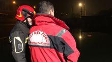 Una 46enne è caduta in un canale ed è stata trascinata dalla corrente