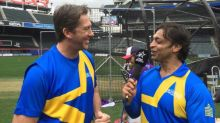 Shoaib Akhtar shows he still has it