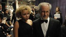 Filha de Steven Spielberg anuncia carreira de atriz pornô