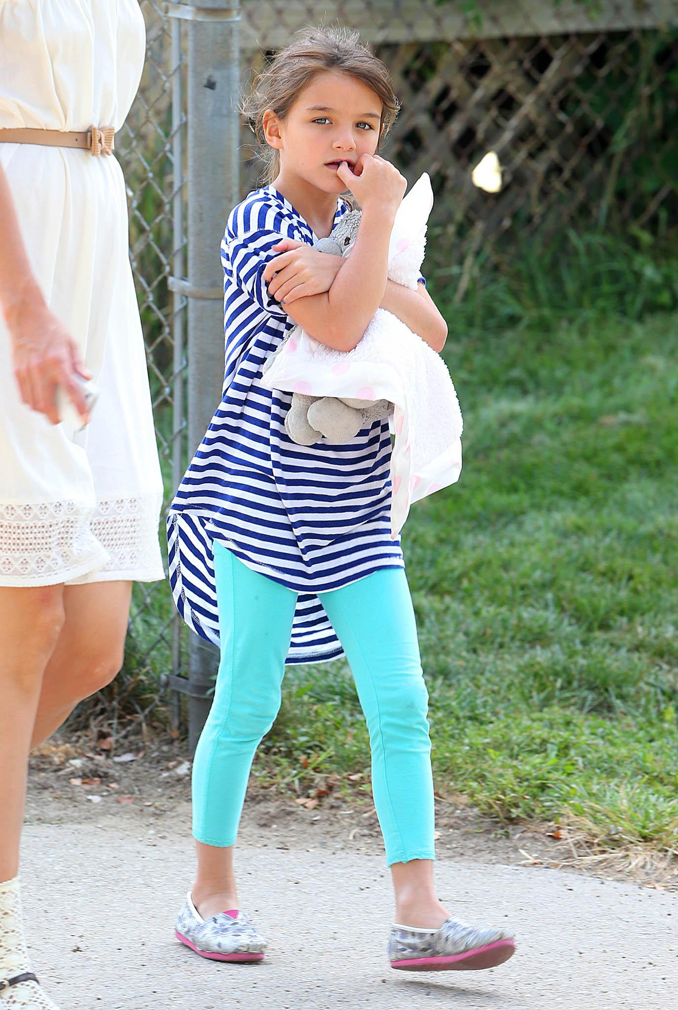 Suri Cruise Will Soon Have a New Accessory Tom Cruise Injury
