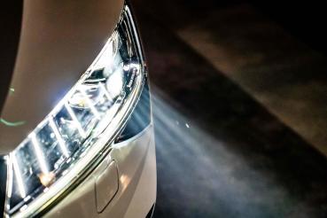 [科普專題] 這車頭燈有厲害:Skoda Superb Matrix LED智慧複眼頭燈組