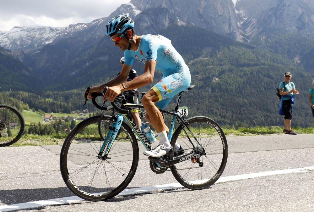 Michele Scarponi, victime d'un accident à l'entraînement, est décédé