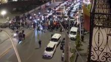 La manifestazioni di commercianti e no mask contro De Luca