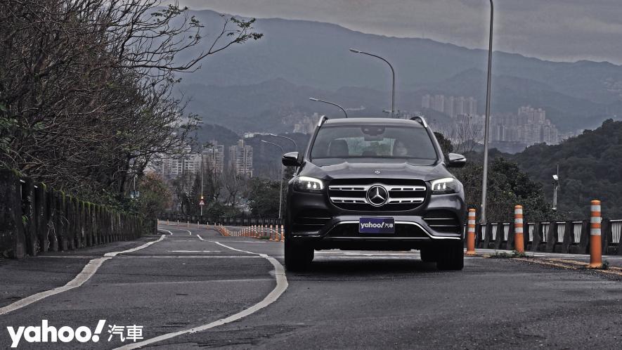 大而得當!2021 Mercedes-Benz GLS 450 4MATIC雨季試駕 - 7
