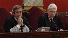 """La Fiscalía pide la suspensión """"inmediata"""" de los parlamentarios presos"""