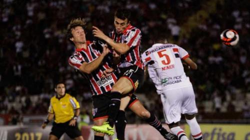 Ceni vê São Paulo em risco e espera encontrar time para fases decisivas